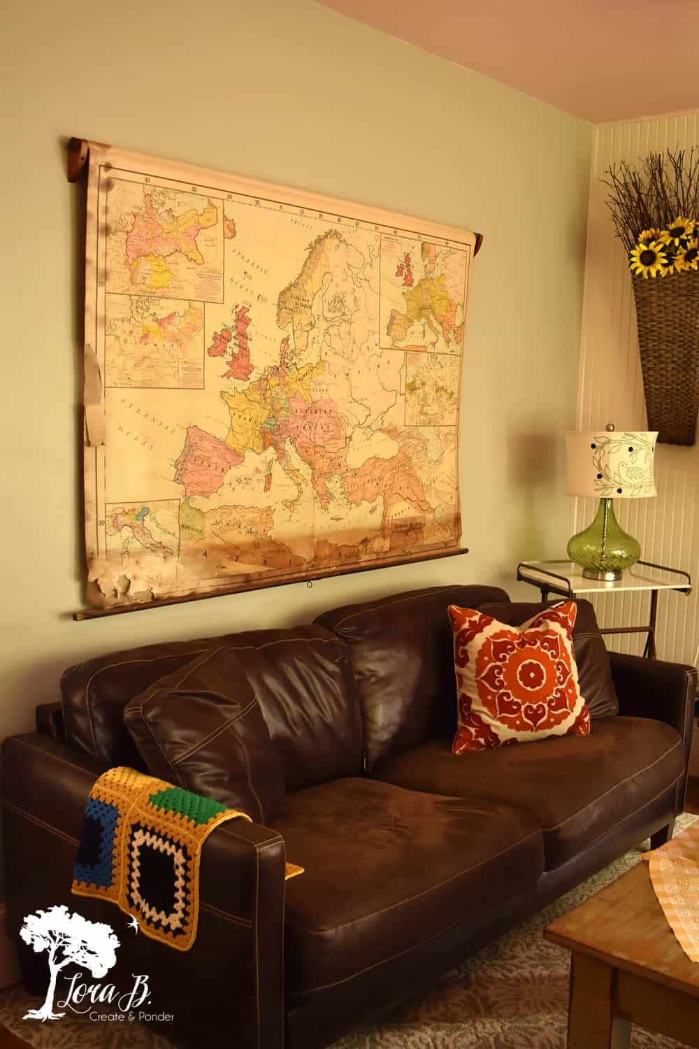 Styling Tips: How to Use Vintage Pieces on your Walls - Lora B ...