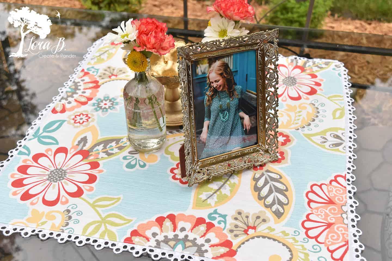 Pretty outdoor table centerpiece