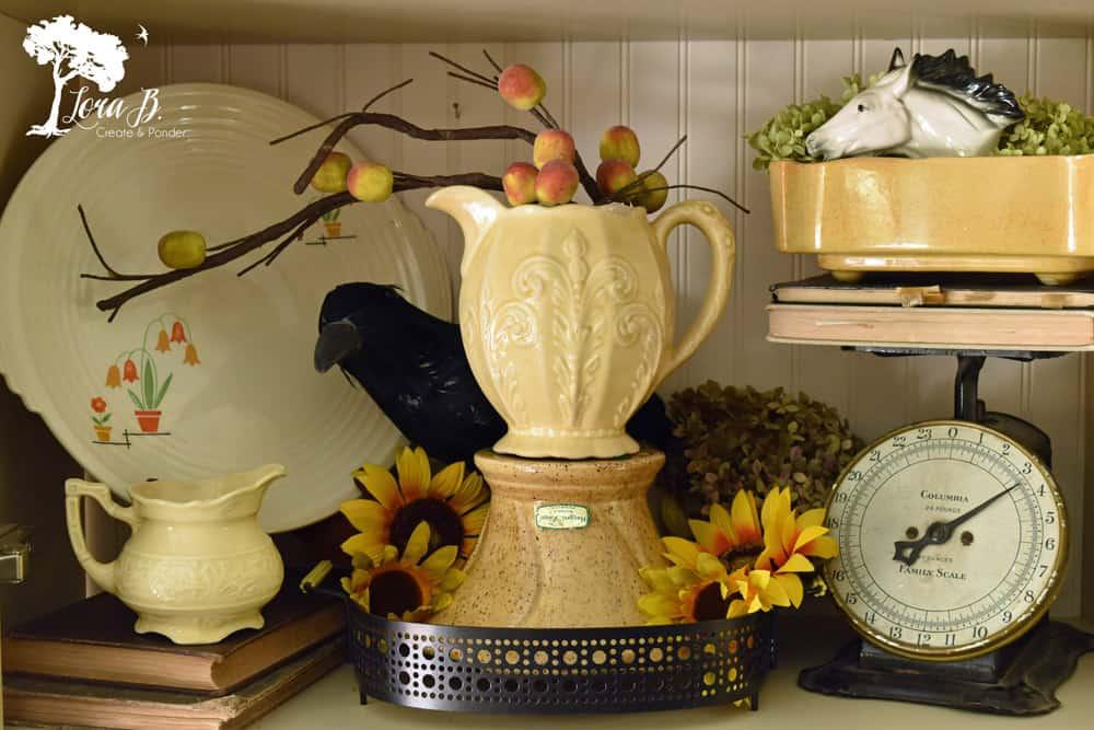 Gold vintage pottery.
