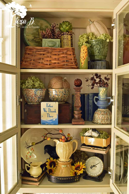 Kitchen shelves for fall.