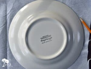 Trace around a dinner plate