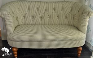 Button Tufted Loveseat