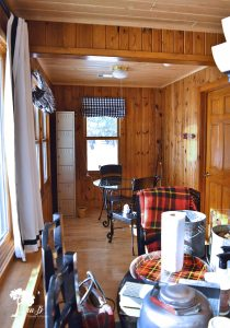 vintage cabin decorating