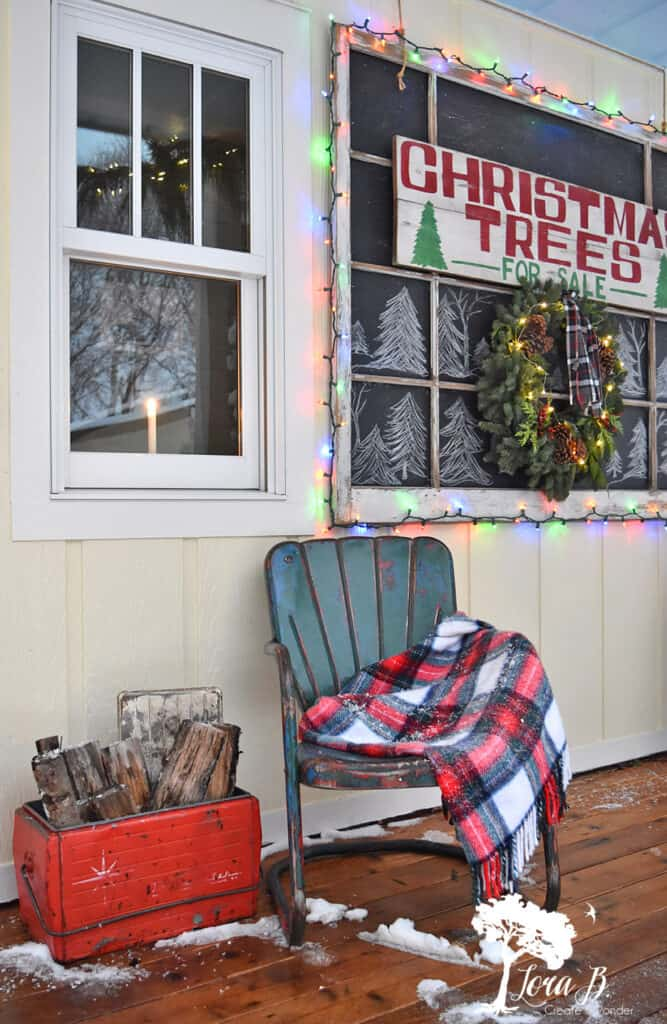 Chirstmas porch decor with fun chalkboard ideas for your home.