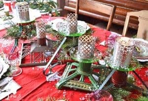 Christmas table setting ideas with vintage