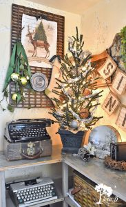 Christmas bedroom decorating ideas, vintage style