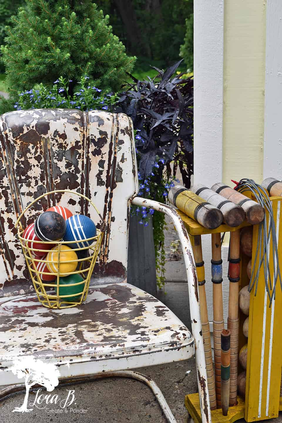croquet-themed outdoor decor