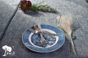 vintage blue and white dishes for thanksgiving