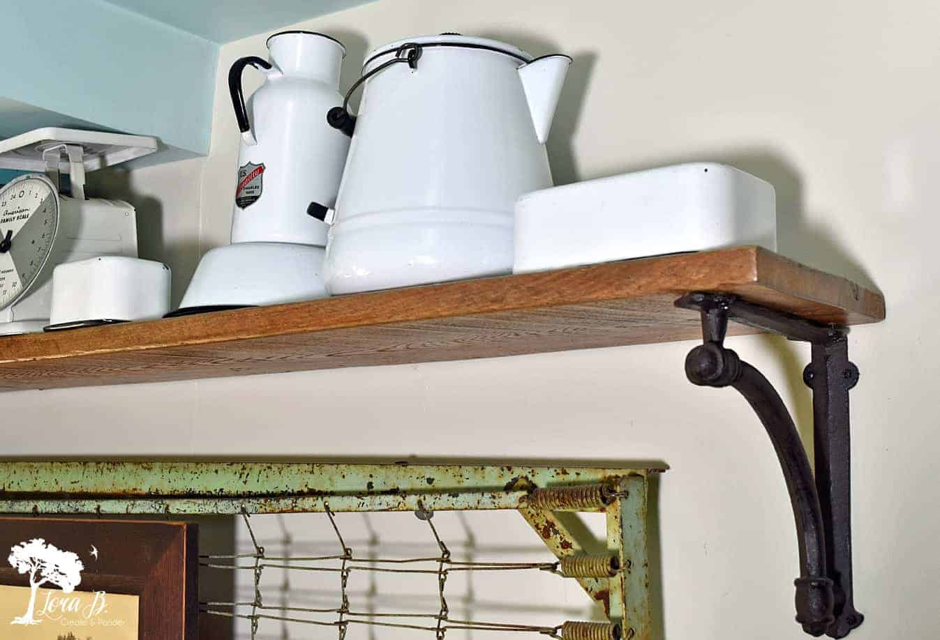farmhouse-styled summer shelf ideas