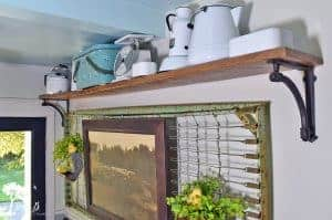 farmhouse-styled summer shelf ideas