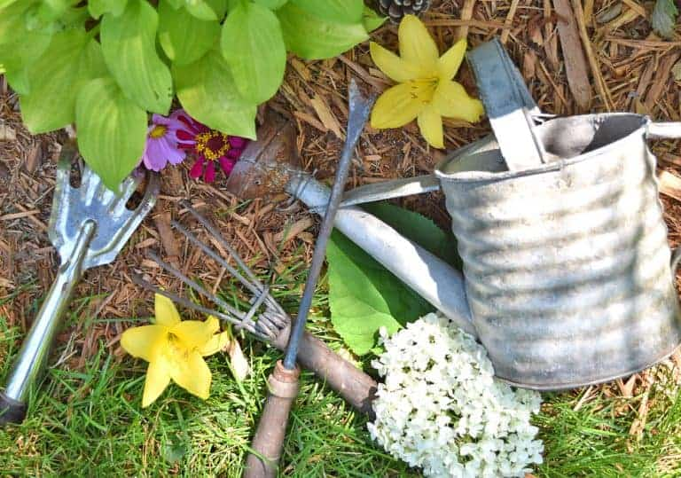 10 Easy Ways to Decorate with Vintage Garden Tools