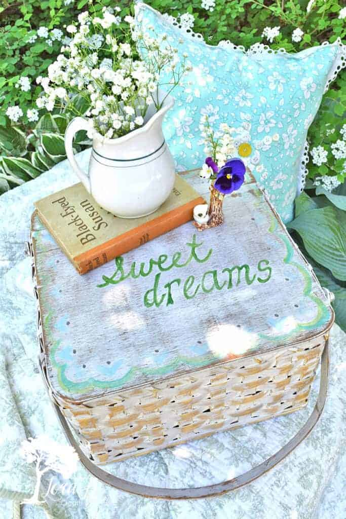 Painting sweet dreams on the top of basket is just one of the ideas in this Welcoming Guest Room Basket Ideas article.