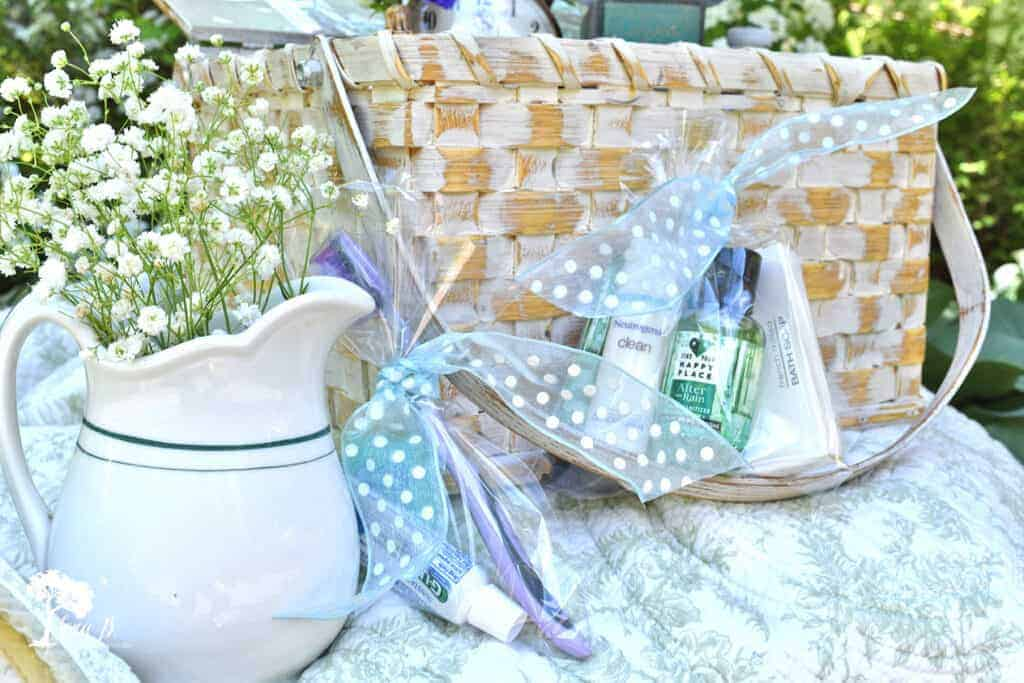 Coordinating your basket to your room's decor is just one of the great tips in this Welcoming Guest Room Basket Ideas article