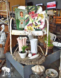 vintage lawn chair display