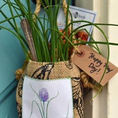 Easy DIY Herb Gift Bags