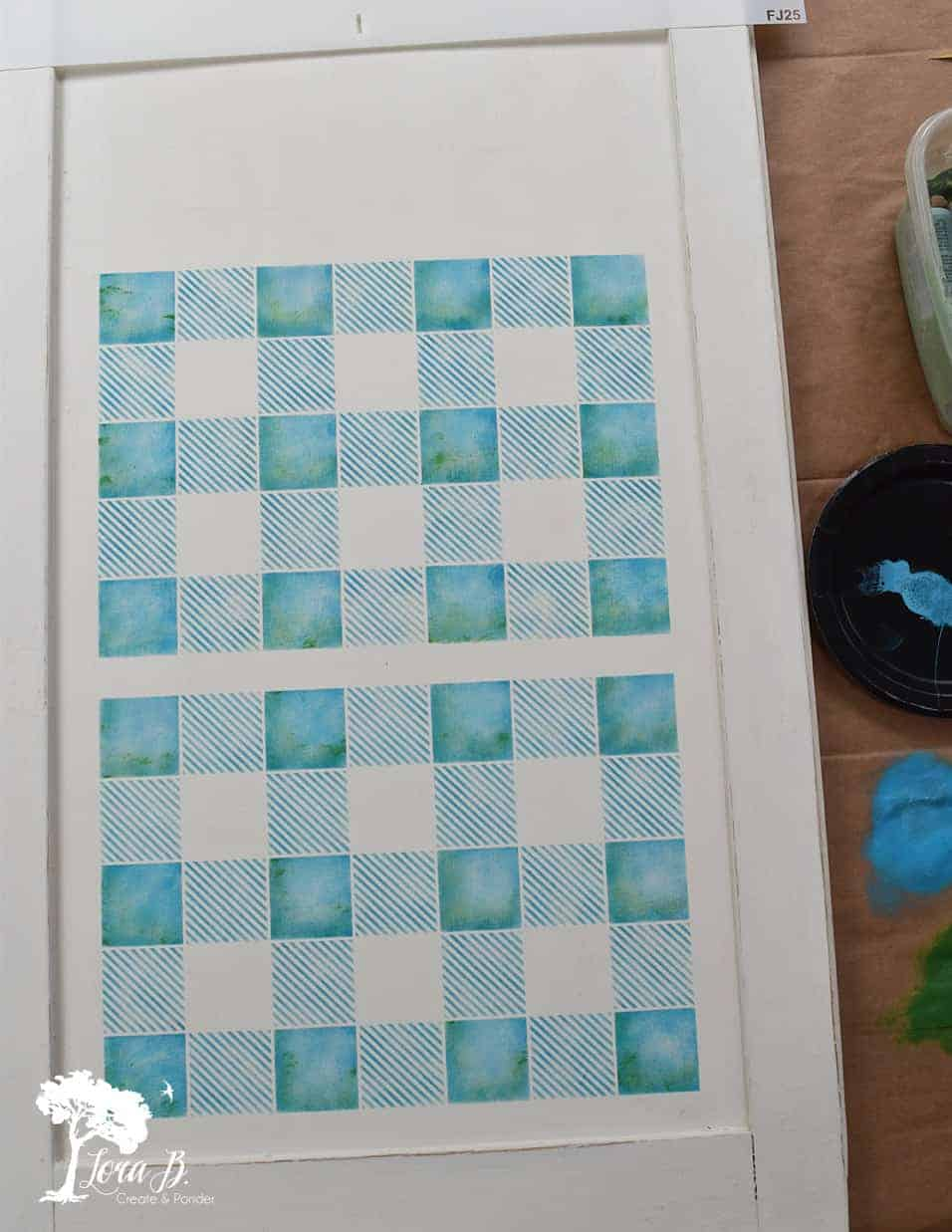 how to make a stenciled rolling pin display