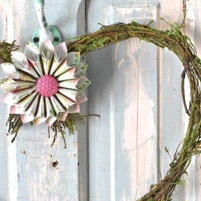 DIY Rustic Valentine Wreath with Origami Flowers