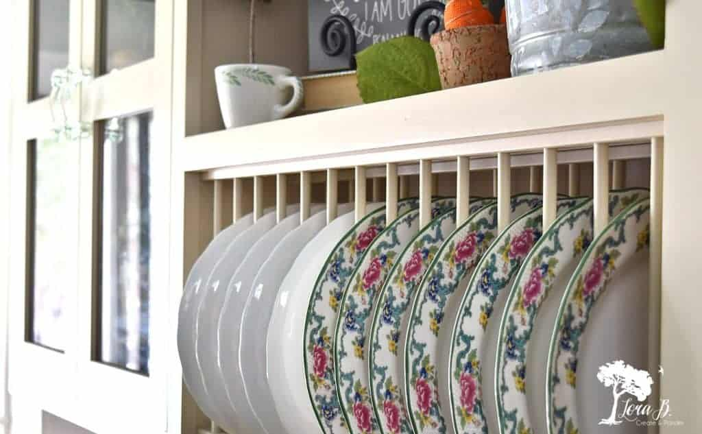 plates display