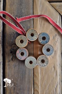 Vintage Thread Spool Mini Wreath How-To