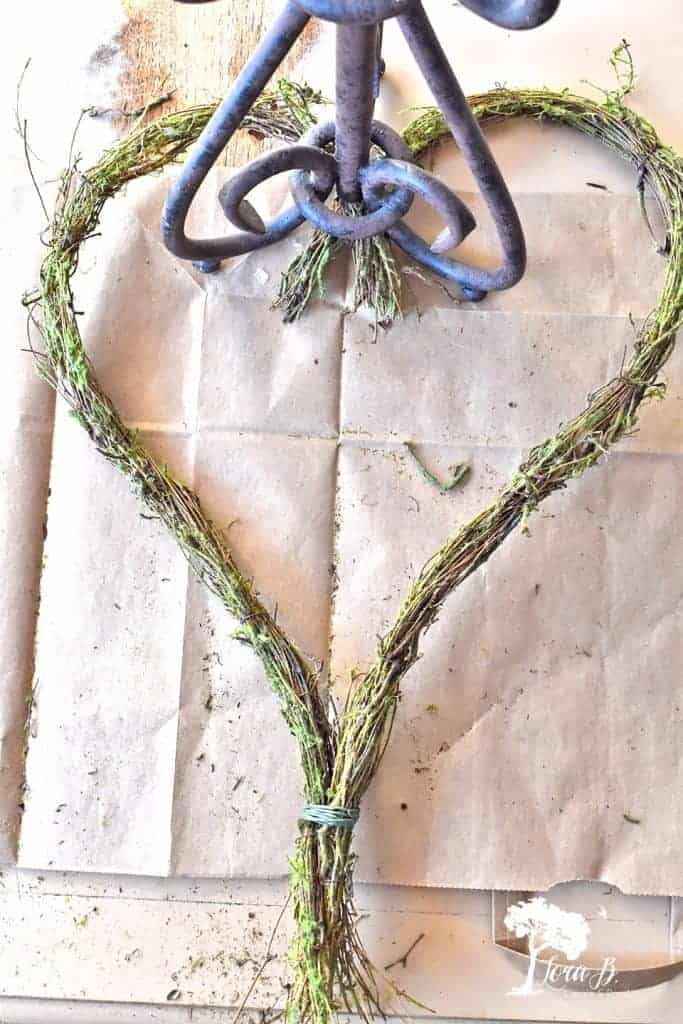 rustic Valentine wreath how to