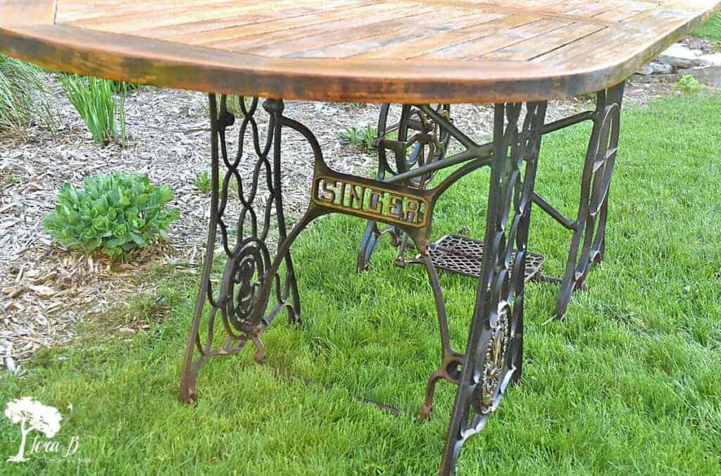 outdoor decor ideas using vintage